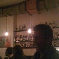 Das Foto wurde bei Tausend Bar von Dominic S. am 1/25/2011 aufgenommen
