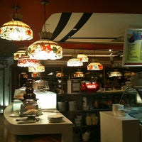 Photo prise au Swensen's par Leilani V. le11/2/2011