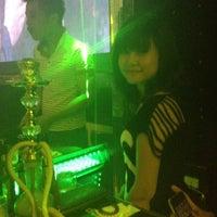 Photo taken at Fnight Club by Ngan Ha  on 6/23/2012