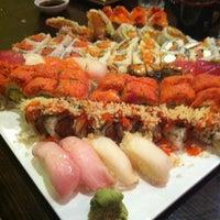 Photo taken at Sushi Para II by Vi Susan N. on 8/13/2012