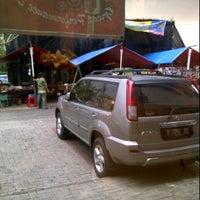Photo taken at Bengkel Nissan Depok by Siyam M. on 10/20/2011