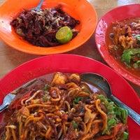 Photo taken at Mee Goreng Bangkok Lane by Steven S. on 2/9/2011