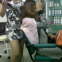 Photo taken at Mintz Salon by Waheeda Irene Sultan™ on 10/1/2011