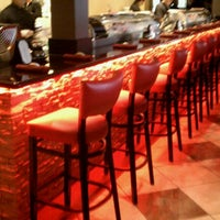 Photo prise au Tasu Asian Bistro Sushi & Bar par Chris M. le10/11/2011