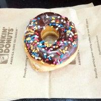 Photo taken at Dunkin Donuts by Mari Ruiz on 7/8/2012