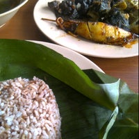 Photo taken at Warung Nasi Ampera by Arie M. on 5/18/2012