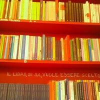 Photo prise au Piola Libri par Denis B. le6/13/2012