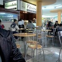 Photo taken at Cafeteria Cioccolatta by Karina P. on 6/10/2012
