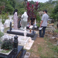 Photo taken at Ulu Klang Cemetary by Mohd Afzal M. on 10/16/2011
