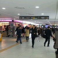 Photo taken at Gangnam Stn Underground Shopping Mall by 성장용(Jacky Seong) on 12/6/2011