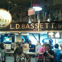 Photo taken at Bassett's Ice Cream by Manny O. on 7/16/2012