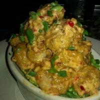 Photo taken at Bonefish Grill by Benjamin C. on 11/29/2011