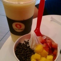 Photo taken at Red Mango by Lauren M. on 6/12/2011