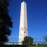 Foto tirada no(a) Obelisco Mausoléu aos Heróis de 32 por Paula M. em 8/12/2012