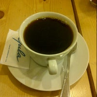 Photo taken at Kopi Toea Since 1962 by Dhyean S. on 1/8/2012