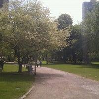 Das Foto wurde bei Taunusanlage von Anna M. am 5/4/2012 aufgenommen