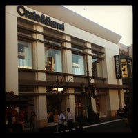 Photo taken at Crate & Barrel by Kazuyuki Y. on 1/26/2012