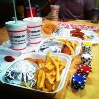 Foto tirada no(a) Cook Out por Jennifer L. em 5/11/2012
