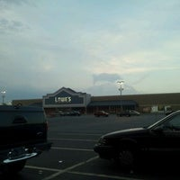 Photo taken at Lowe's Home Improvement by 🔼Kevin F. on 8/14/2011