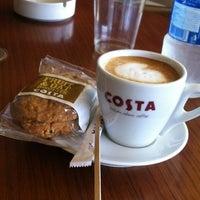 Снимок сделан в Costa Coffee пользователем 🉐∂⌣»̶γαΜǝƝ«̶̠⌣∂🉐 7/14/2012
