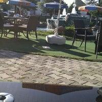 9/10/2011 tarihinde Zalikziyaretçi tarafından Türkoloji Cafe & Park'de çekilen fotoğraf