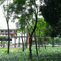 Photo taken at Anantara Chiang Mai Resort & Spa by Pawoot (Pom) P. on 9/20/2011