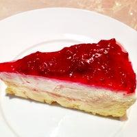 Photo taken at Secret Recipe by Khun ⒶⓄⓂ  ♩♪♫ on 6/8/2012