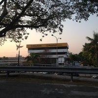Photo taken at Maybank, Recovery AQM by phyfi on 8/9/2012