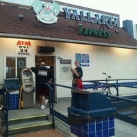 Foto tirada no(a) Vallarta Express por Nicholas T. em 9/16/2011