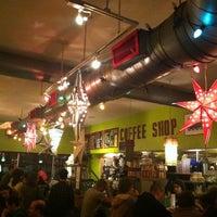 Снимок сделан в Dizzy's Diner пользователем Sherri F. 6/15/2011