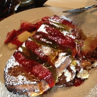Foto scattata a Cafe 21 da Eric J. il 3/1/2012