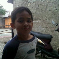 Photo taken at Bakso  Podomoro Lembang by Ferdy A. on 11/2/2011