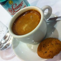 Foto diambil di Café Severino oleh Marcos O. pada 11/22/2011