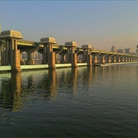 Photo taken at Jamsil Bridge by Eungbong K. on 1/16/2012
