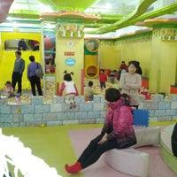 Photo taken at 奇乐儿  儿童世界国瑞城店 by george c. on 2/18/2012