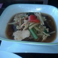 Foto tomada en Boonsong Thai Cuisine por Simone B. el 6/20/2012