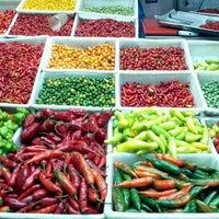 Foto tirada no(a) Mercado Central por Carlos C. em 7/23/2012