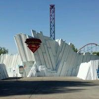 Снимок сделан в Superman: Escape From Krypton пользователем Jayson B. 8/16/2012