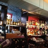 Снимок сделан в Harat's Pub пользователем Alex 8/15/2012