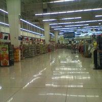 Photo taken at Walmart by Caminαλεχ 🚶 on 3/4/2012