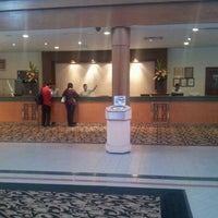 Photo taken at Concorde Inn Hotel by Winnie L. on 3/9/2012