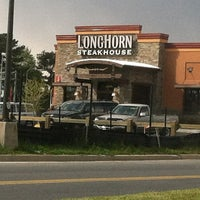 Photo taken at LongHorn Steakhouse by Shay N. on 4/11/2012
