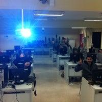 Foto tomada en Escuela de Periodismo por Percy P. el 8/21/2012