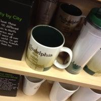 Photo taken at Starbucks by EnriKe K. on 4/16/2012