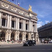 Foto tirada no(a) Place de l'Opéra por E F. em 8/16/2012