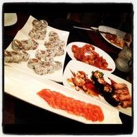 Foto tirada no(a) Nirai Cozinha Oriental por Camilla V. em 4/28/2012
