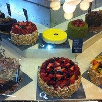 2/23/2012 tarihinde Pinar E.ziyaretçi tarafından Beyaz Fırın & Brasserie'de çekilen fotoğraf