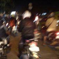 รูปภาพถ่ายที่ Jalan Kalimalang โดย Ahmad D. เมื่อ 8/25/2011