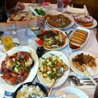 Photo taken at Lucky Star Seafood Restaurant by Larry D. on 8/20/2012