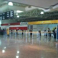 Photo taken at Aeroporto de Ribeirão Preto / Doutor Leite Lopes (RAO) by Ricardo O. on 9/22/2011